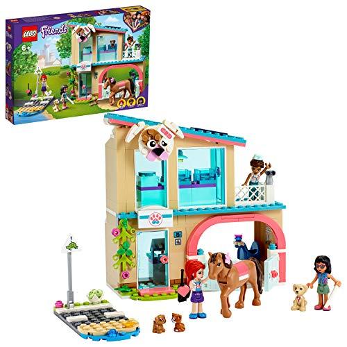 LEGO 41446 Friends Heartlake City Tierklinik Spielset mit Mia, Savannah und Donna, Pferd und Blindenhund, Tierrettung-Serie