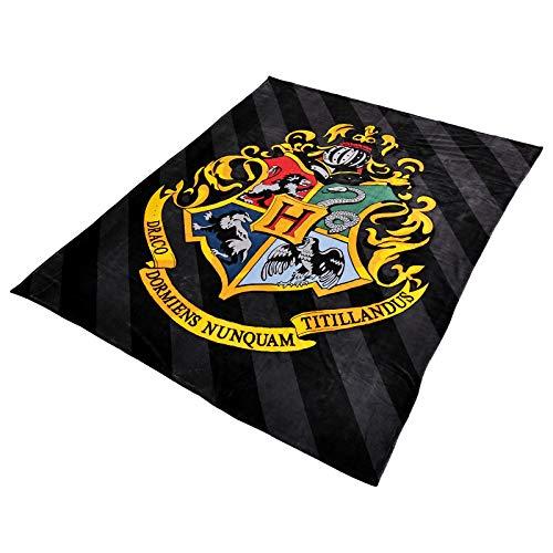 Elbenwald Harry Potter Flauschdecke mit Hogwarts Wappen Motiv im XXL Format 180 x 220 cm schwarz