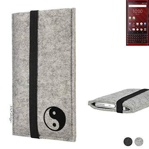 flat.design Handy Hülle Coimbra für BlackBerry KEY2 Red Edition mit Yin und Yang Schutz Hülle Etui Filz Made in Germany in hellgrau schwarz