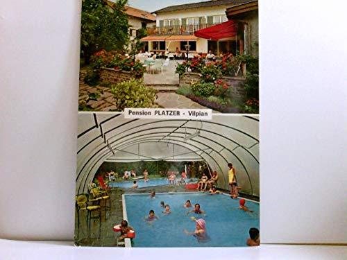 Vilpian. Pension Platzer in Südtirol, Gebäudeansicht mit Terrasse und Gästen, Swimming Pool mit Badegästen, Italien