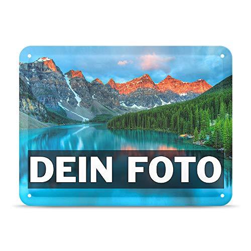 Tassendruck Blech-Schild mit Foto und Text selbst gestalten/Personalisierbar mit eigenem Bild als Metall-Poster / A5 (15x21cm) im Querformat/Weiss