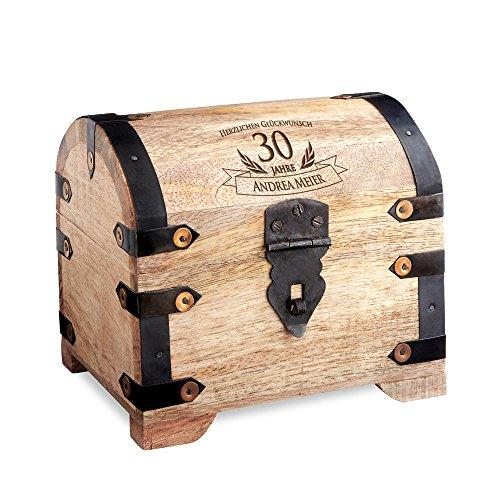 Casa Vivente Schatztruhe mit Gravur – Zum 30. Geburtstag – Personalisiert mit Namen – Aufbewahrungsbox aus hellem Holz – Verpackung für Geld und Gutscheine – Geschenkidee für Männer und Frauen