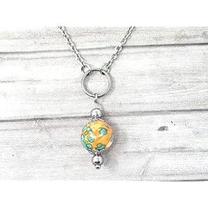 Chokerhalskette für Frauen aus Edelstahl mit Ringen und Jadeperlen in Orange und Blau