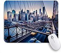 VAMIX マウスパッド 個性的 おしゃれ 柔軟 かわいい ゴム製裏面 ゲーミングマウスパッド PC ノートパソコン オフィス用 デスクマット 滑り止め 耐久性が良い おもしろいパターン (ダウンタウンのスカイライントラフィックブルックリンブリッジバスの動的車サンセットビュー)