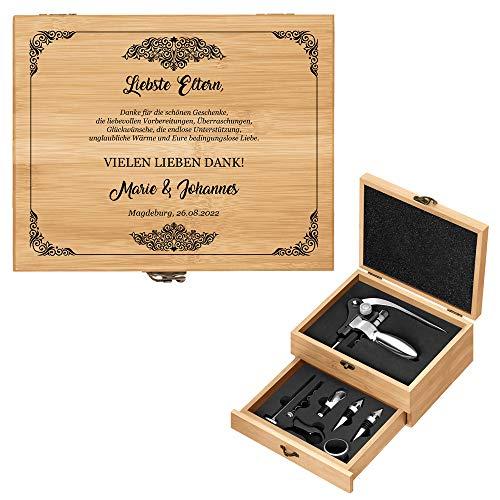 Murrano Weinöffner-Set personalisiert Weinset Sommelier Set - Geschenkbox Holzbox + 8er Weinzubehörset - aus Bambus - Braun - Geschenk Hochzeit Hochzeitstag Paar - Danksagung