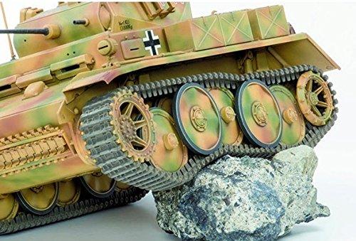 『アスカモデル 1/35 ドイツ陸軍 2号戦車L型ルクス 後期型 プラモデル 35-001S』の3枚目の画像