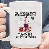 N\A Taza Solo una Buena mamá Que se distrae fácilmente con el Tocadiscos, la Trompeta y la Guitarra, el Amante del Tocadiscos, la mamá de la música, mamá para los Amantes de la Trompeta