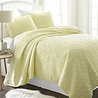 Simply Soft Quilted Coverlet Set Damask Patterned , Queen/Full, Yellow