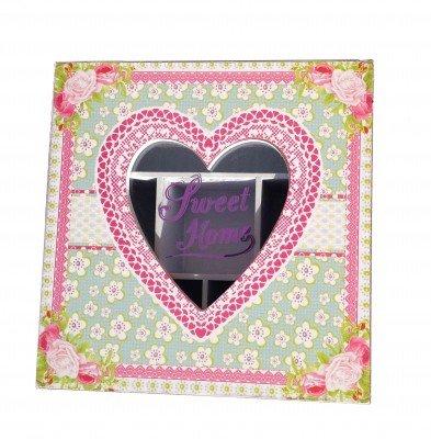 Romantische Teebox mit Herzausschnitt und Herzdeco