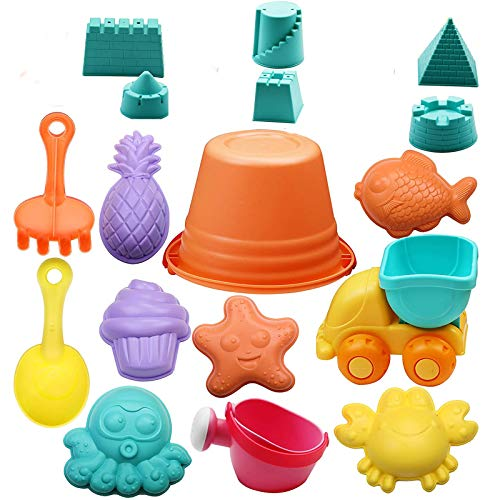 KATELUO Kinder Strand Sandspielzeug Set, 17 Stück Sand Spielset mit Eistüte, Schloss, Pyramide, Seestern, Tintenfisch, Auto, Gießkanne, Eimer, Rechen, Ananas usw Spielzeug Sortiert