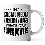 N\A Soy un Gerente de Marketing de Redes sociales. ¿Cuál es su Taza de café superpoderosa Taza Blanca de Gran Regalo Taza de café Divertida + Caja