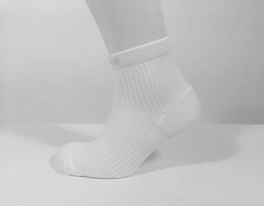 Ardent Running Socks Mens Womens Performance Cushioned Arch Support Anti Blister Black and White Sport Socks