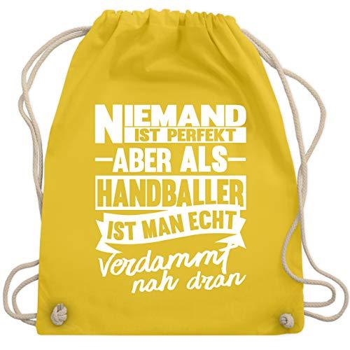 Shirtracer Handball - Niemand ist perfekt aber als Handballer ist man echt verdammt nah dran - Unisize - Gelb - turnbeutel bff - WM110 - Turnbeutel und Stoffbeutel aus Baumwolle