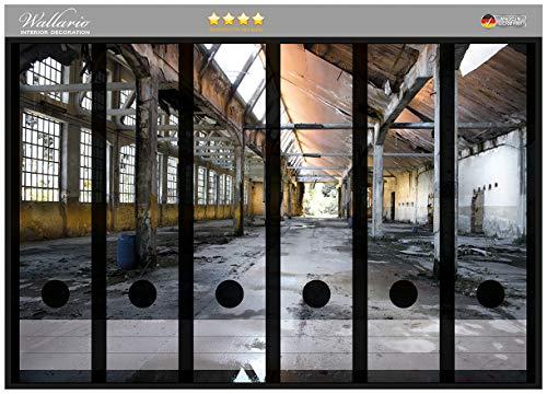 Wallario Ordnerrücken Sticker Alte Industriehalle, leerstehend und einsam in Premiumqualität - Größe 36 x 30 cm, passend für 6 breite Ordnerrücken