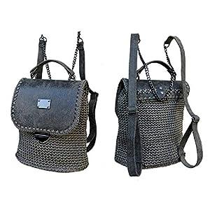 Grau lederrucksack mit Kette.Damentasche mit rucksackfunktion. EXKLUSIVER Designer gehäkelte Rucksack.Ungewöhnlichen…