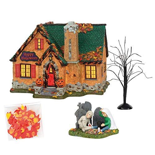 Department 56 Snow Village Happy Halloween House Lit Building and Figurine Set, 7.1 inch, Multicolor
