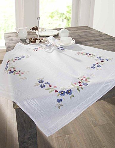 Kamaca Stickpackung Tischdecke Blumenkranz Stielstich Spannstich Plattstich vorgezeichnet aus Baumwolle Stickset mit Stickvorlage
