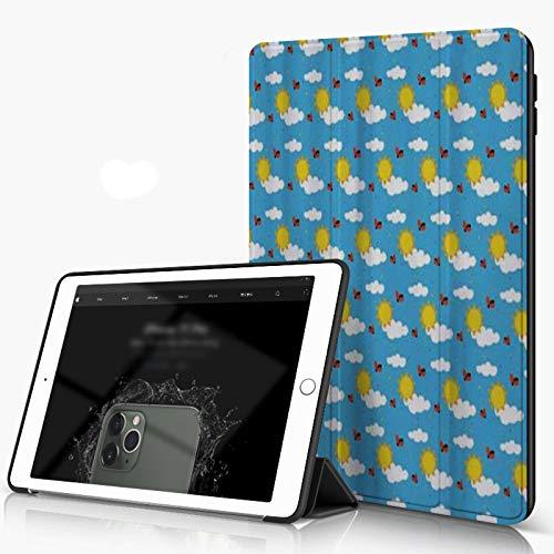 Carcasa para iPad 10.2 Inch, iPad Air 7.ª Generación ,Cielo de dibujos animados con nubes esponjosas Mariquita sol volando verano infantil,incluye soporte magnético y funda para dormir/despertar