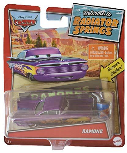 Disney Pixar Cars Ramone mit Stoßstangen-Aufkleber und Ölkanne Accessoire, Mehrfarbig, Maßstab 1:55, 9 x 4 x 3 cm, hergestellt aus Druckguss-Metall, Mattel Model GPN47