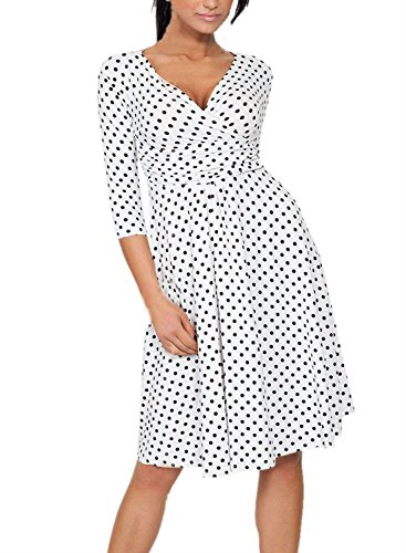 Polka Dot Maternity Dress with 3/4 sleeves, high waist and 50s style | Maternity Style #vintagestyledress #maternitydress
