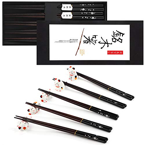 Chopsticks and Chopstick Rest Set, 5 Pairs Reusable Natural Wooden Chopsticks Japanese Style Chop Sticks with Box and 5 Pieces Lucky Cat Ceramic Chopsticks Holder Ceramic Cat Dinner Spoon Stand