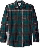 """Stessa vestibilità, nuovo nome: abbiamo cambiato il nome di questa camicia in """"Regular Fit"""", ma la sua taglia rimane la stessa. La flanella a mezzo peso rende questa camicia con bottoni il capo perfetto per le temperature più basse. Taschini sul pett..."""