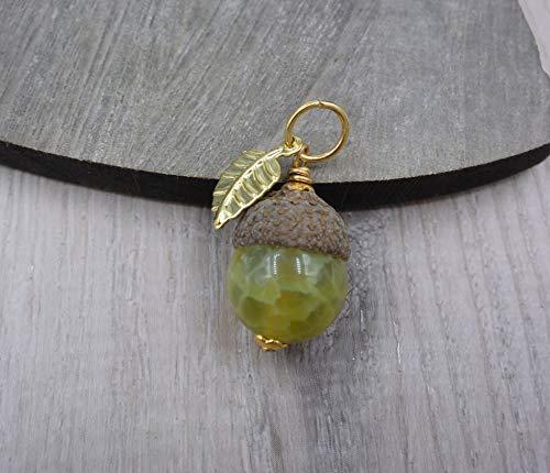 Eichelhut mit grüner Achat Kugel, grüner Achat Kettenanhänger, Naturschmuck, Herbstschmuck, vergoldet