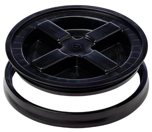 The Gamma Seal Lid, Black, 40 lbs (FITS A 3.5-7 GAL. Bucket)