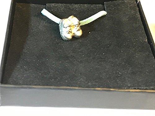 GIFTSFORALL Derbyshire UK TG100 Halskette mit Babyschuhen, feines englisches Zinn, 45,7 cm, Blaue Kordelkette
