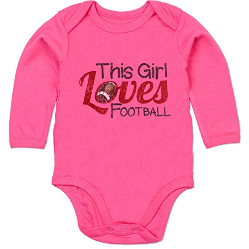 Football - This Girl Loves Football - Vintage Look - 6/12 Monate - Fuchsia - Football Baby - BZ30 - Baby Langarm Bio Body Strampler