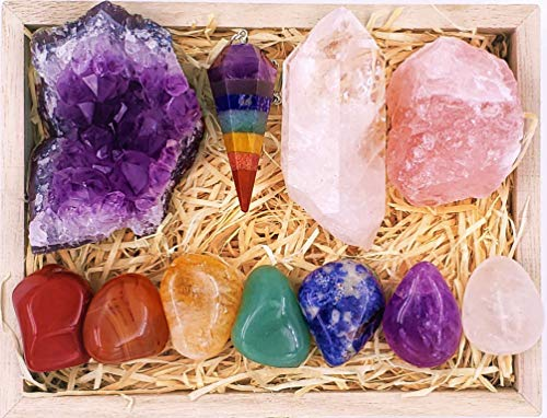 Premium Healing Crystals Kit in Wooden Box - 7 Chakra Set Tumbled Stones, Rose Quartz, Amethyst Cluster, Crystal Points, Chakra Pendulum + 82 Page E-Book + 20x6 Reference Guide Poster, Ribbon Bow