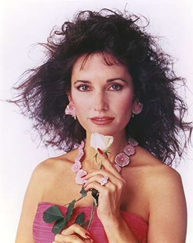 Celebrity Photos Susan Lucci in a Pink Tube Dress with Necklace and Flower Photo Print (20,32 x 25,40 cm)