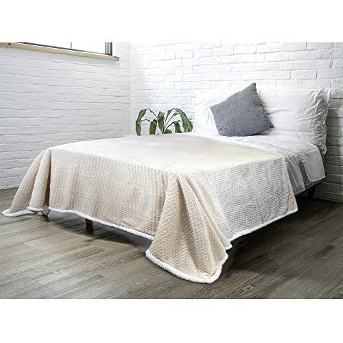 PAVILIA Sherpa Blanket Throw for Couch Sofa Bed | Cream Ivory Super Soft, Plush Chevron Throw Fleece Blanket | Zig Zag Fuzzy Fluffy Decorative Blanket Microfiber, 60x80