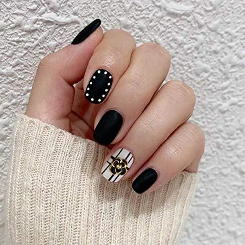 CSCH Faux ongles 24 Pcs New Wearable Full Cover appuyez sur les ongles Cool Black and White Stripe Wave Point Mat Short Round Head faux ongles avec de la colle