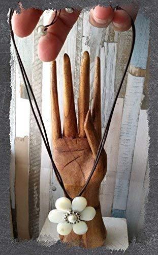 Collar colgante de cuero, nacar y perla de rio, colgante artesanal, hecho a mano de mujer, pendiente de nacar, handmade, mama