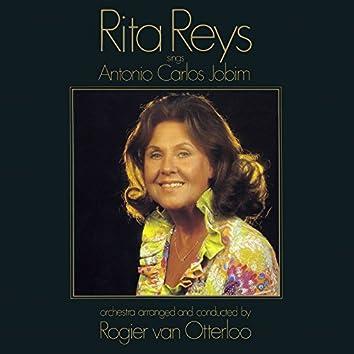 Sings Antonio Carlos Jobim