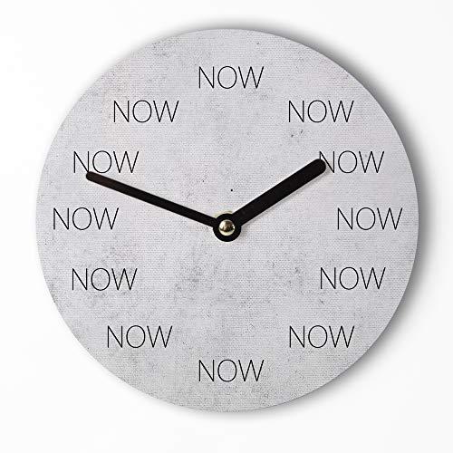 Design Mini-Wanduhr 15cm | NOW - Lebe im Jetzt - Lustige Uhr mit ausgefallenem Ziffernblatt-Motiv – Leises Uhrwerk – Handmade
