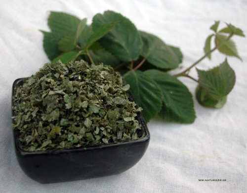 Naturix24 – Brombeerblätter geschnitten – 250g-Beutel