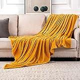 MIULEE Kuscheldecke Fleecedecke Flanell Decke Pompoms Einfarbig Wohndecken Couchdecke Flauschig Überwurf Mikrofaser Tagesdecke Sofadecke Blanket Für Bett Sofa Schlafzimmer Büro 150x200 cm Orangegelb