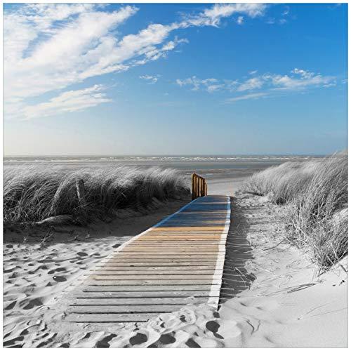 Wallario Acrylglasbild Auf dem Holzweg zum Strand in schwarz-weiß Optik - 50 x 50 cm in Premium-Qualität: Brillante Farben, freischwebende Optik