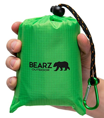BEARZ Outdoor Beach Blanket/Compact Pocket Blanket 55?x60?, Waterproof Ground Cover, Sand Proof Picnic Mat for Travel, Hiking, Camping, Festival - Durable Tarp w/Corner Pockets, Loops & Bag (Green)