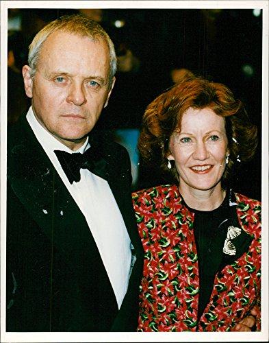 Fotomax - Foto Vintage del Actor Anthony Hopkins con su Esposa Jennifer Lynton