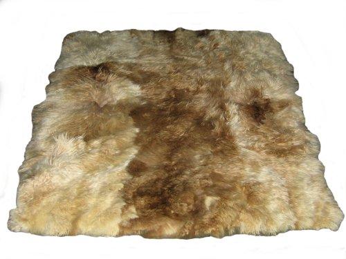 Alpacaandmore Naturfarbener Weiss brauner peruanischer Teppich Babyalpaka Fellteppich (200 x 220 cm)