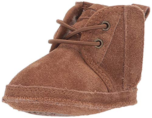 UGG Baby's Unisex Baby Neumel and UGG Beanie Classic Boot, Chestnut, 4 (UK)