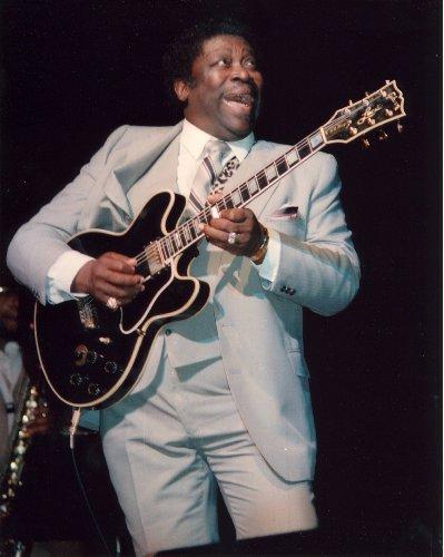 B.B. King Photo Lucille Guitar Rock N Roll Blues Music Musician Concert Photos 8x10