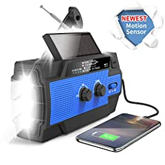 √【2020 NEWEST EMERGENCY WEATHER RADIO】Equiped with updated DSP chips and high quality built-in speaker,this emergency radio broadcasts the latest weather information for you with loud and crisp sound from NOAA/AM/FM stations. With upgraded 4000mAh la...