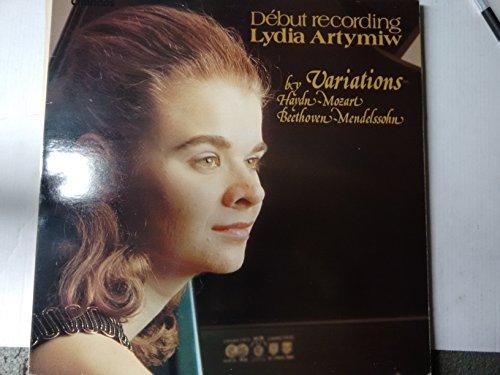HAYDN, Franz Joseph: Variations in F minor, Hob.XVIII:6 - MOZART, W.A: 10 Variations on (Gluck) 'Unser dummer pobel meint' Kv.455 - BEETHOVEN, Ludwig van: 6 Variations in F major op.34 -MENDELSSOHN, Felix Bartholdy: 17 Variation Serieuses in F minor, op.54 -- Debut recording Lydia Artymiw-CHA ABR 1013-Vinyl LP-CHANDOS - Inghilterra-HAYDN Franz Joseph (Austria); MOZART Wolfgang Amadeus (Austria); BEETHOVEN Ludwig Van (Germania); MENDELSSOHN-BARTHOLDY Felix-ARTYMIW Lyd