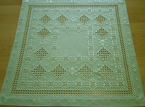 Handimex Hardanger Tischdecke 60x60 cm, feines Ton in Ton lindgrün gestickt, 100% Handarbeit
