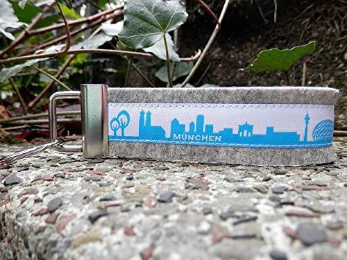 Schlüsselanhänger Schlüsselband Wollfilz hellgrau Webband München Skyline türkis weiß Geschenk