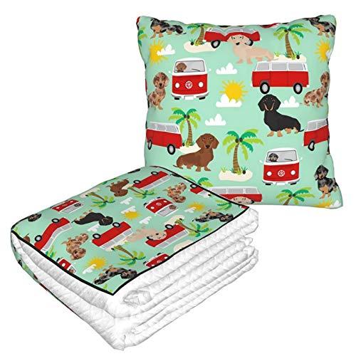 Manta de almohada de terciopelo suave 2 en 1 con bolsa suave Dachshund verano playa surf perro palmeras menta almohada para casa avión coche viaje películas